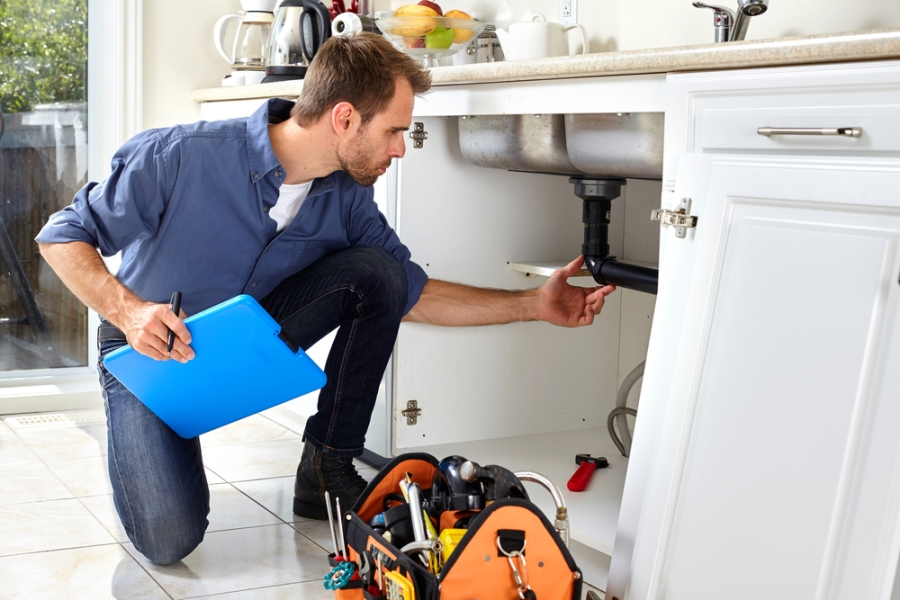 When to call an emergency plumber?